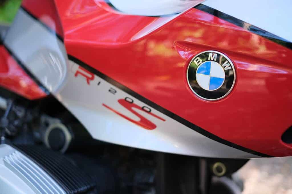 "BMW R1200S detailed badge view and paintwork. ""Colgate"" colours"