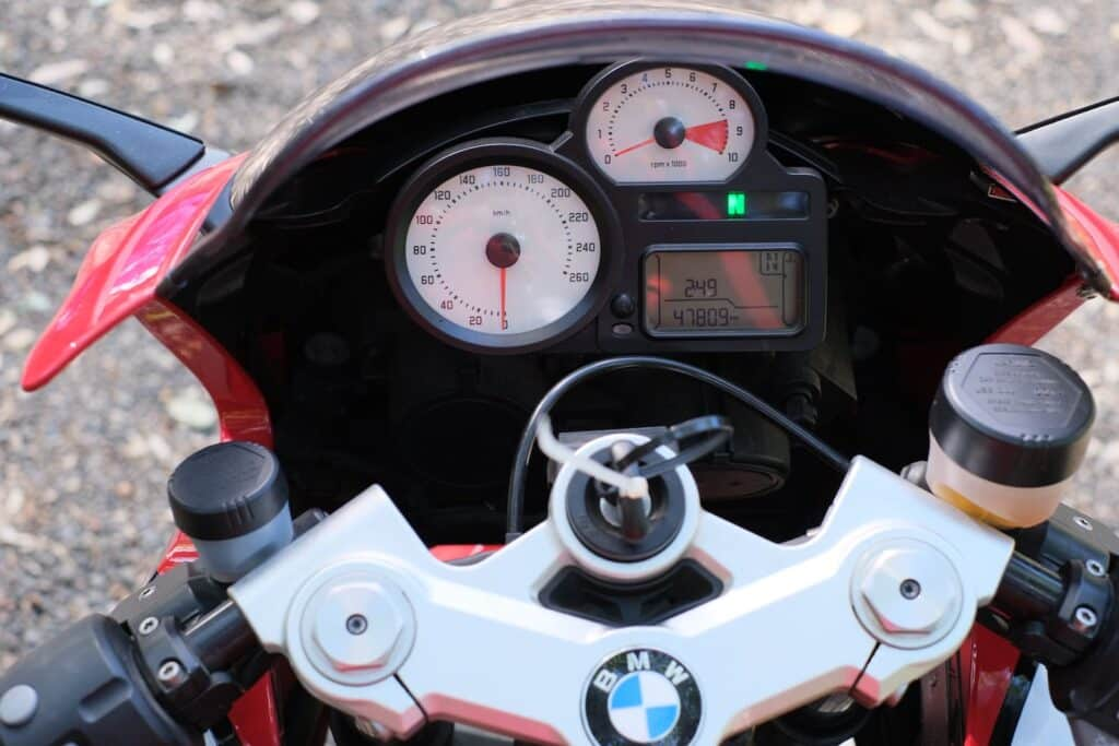 BMW R1200S controls and dashboard