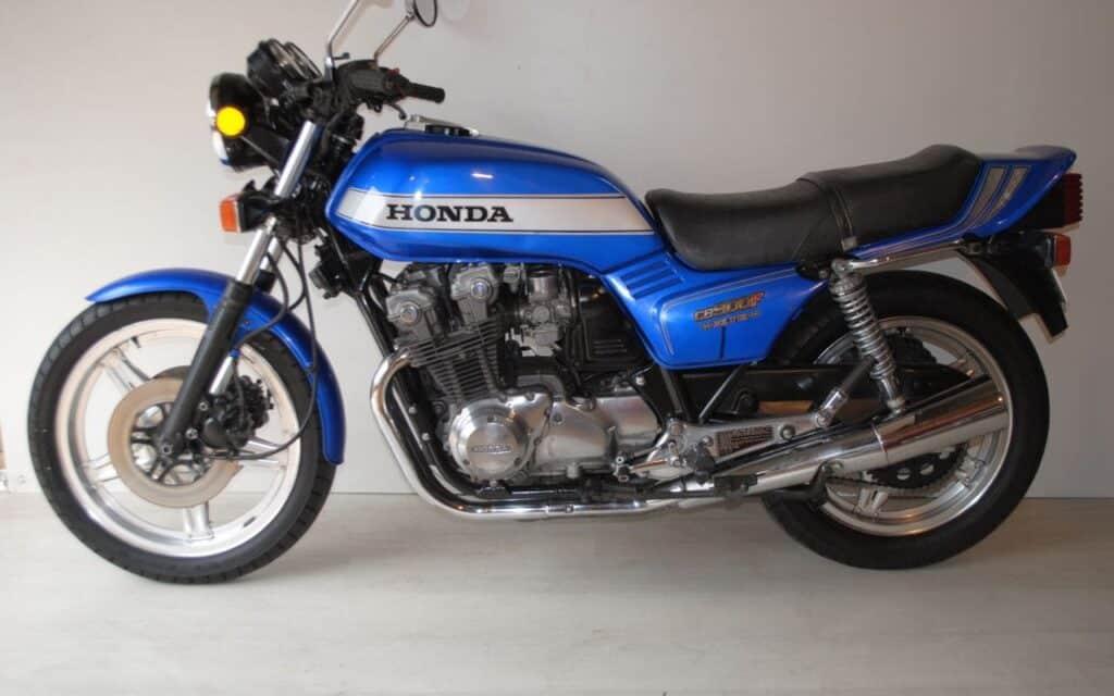 Honda CB900F Bol d'Or blue