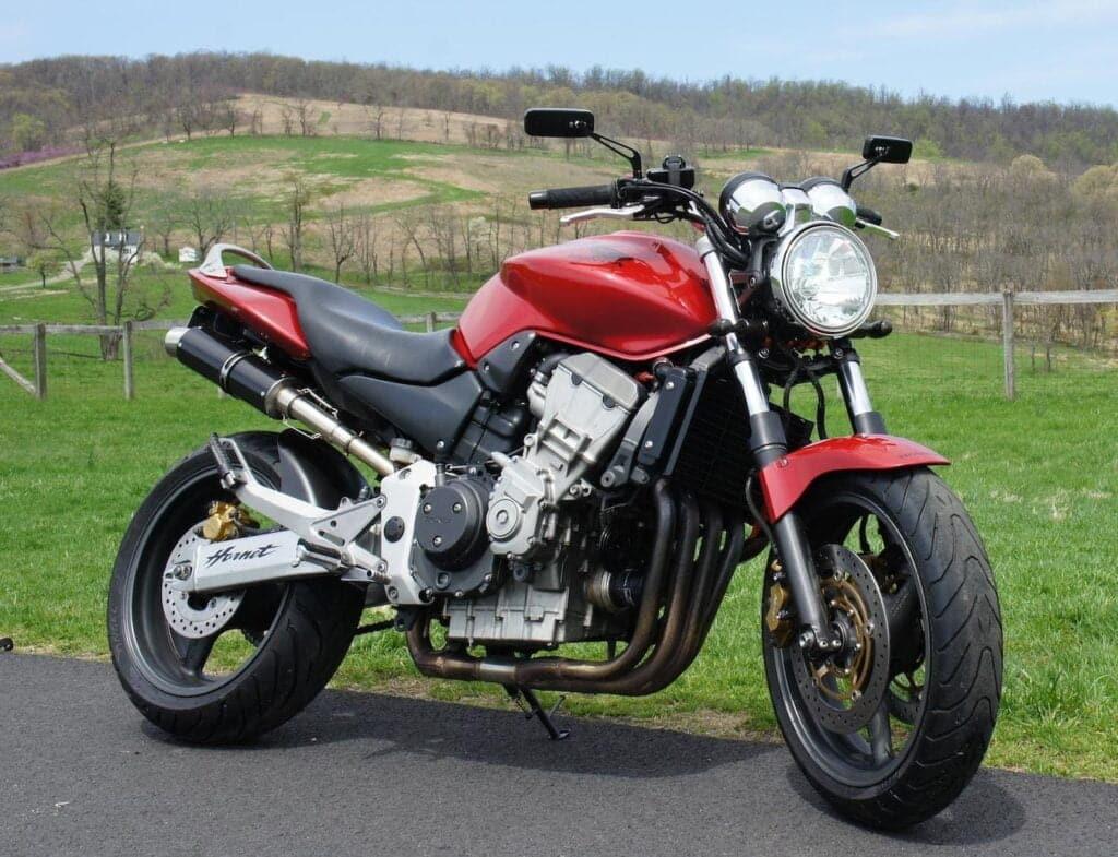 Modern CB900F - the Honda Hornet 919 CB900