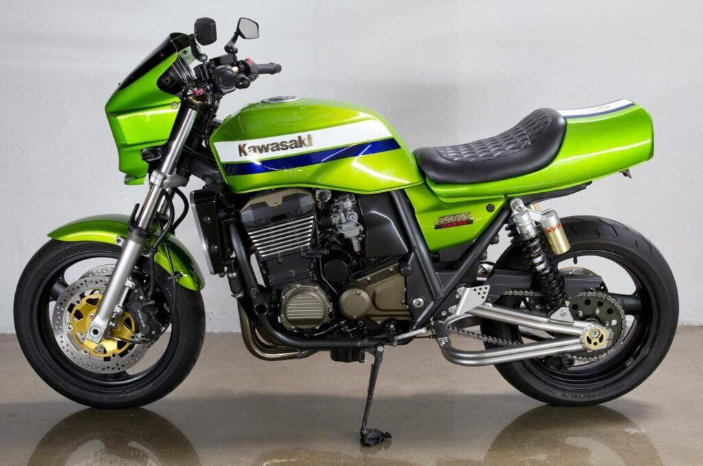 Kawasaki ZRX1200R side profile