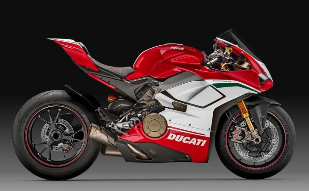 Don't rent out your Panigale V4 on Riders Share! (unless you are Ducati)