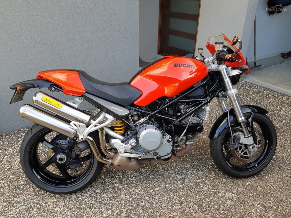Ducati S2R 800 with big catalytic converter — more work for me later if I buy this used
