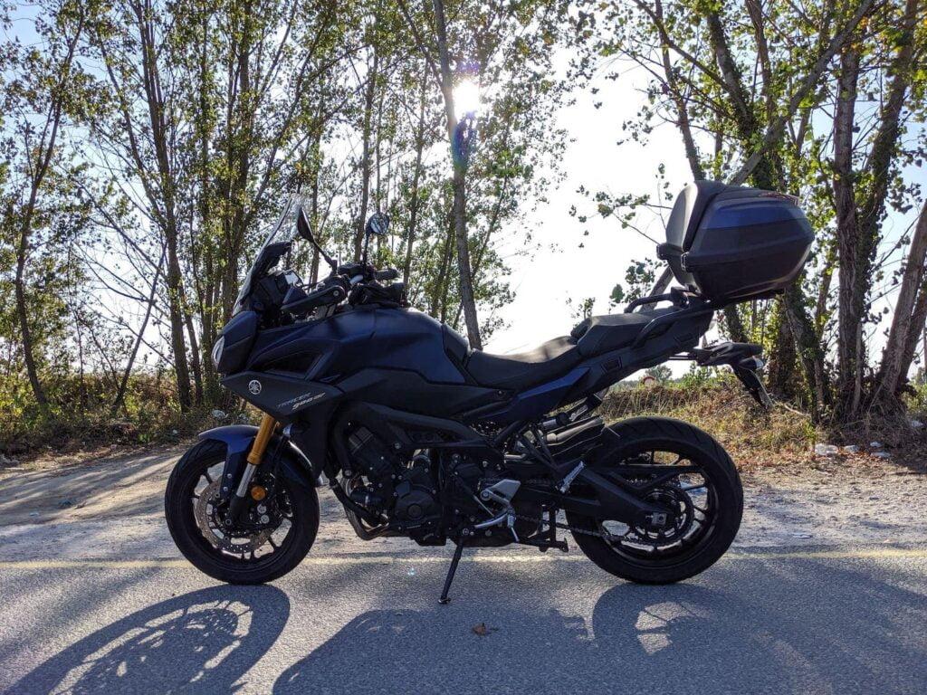 Yamaha Tracer 900 side photo near beach