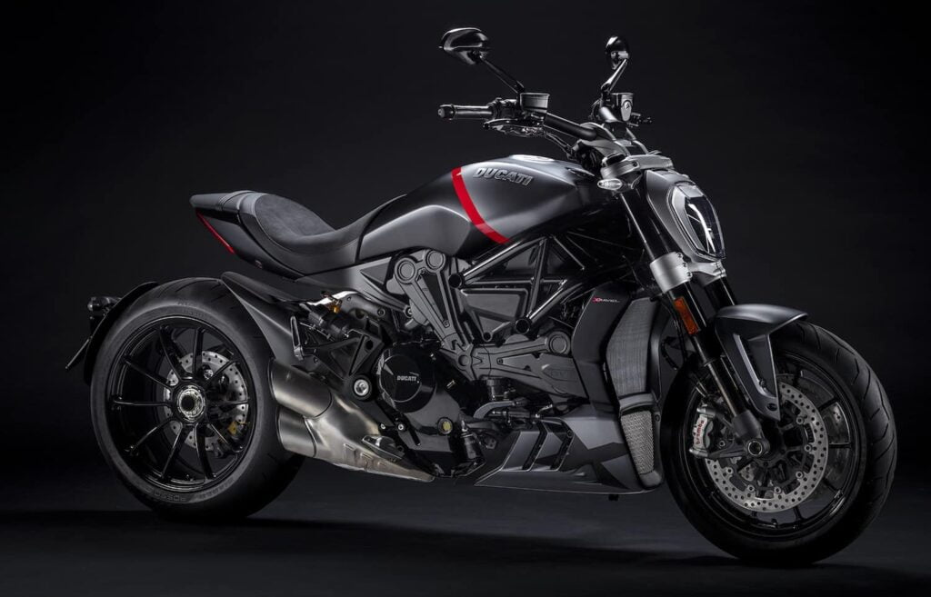 Ducati XDiavel Black Star, a very beautiful 2021 motorcycle
