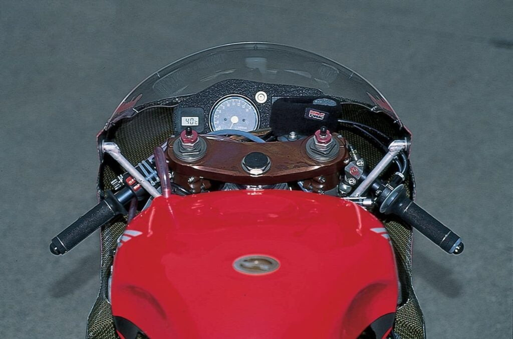 honda nsr500 cockpit - one of the fastest racing honda motorcycles ever made