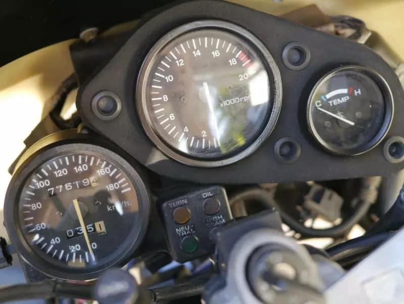 Honda CBR250RR redline of 18,000 rpm
