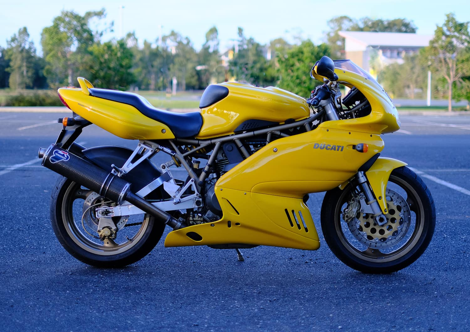 motorcycles-buying-and-selling-900ss