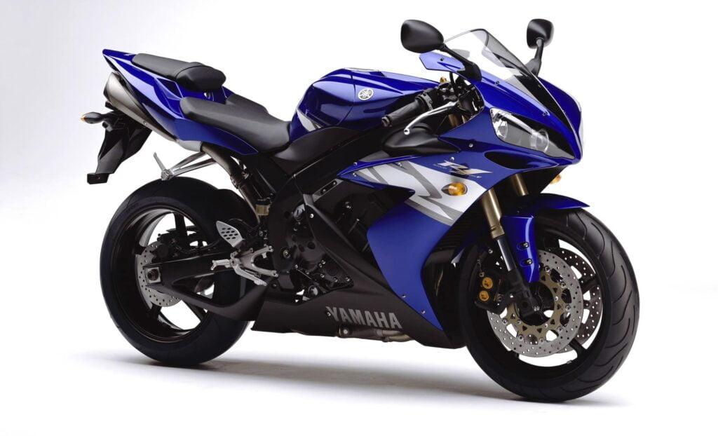 2004-2005 4th generation Yamaha R1 in blue, black and silver.