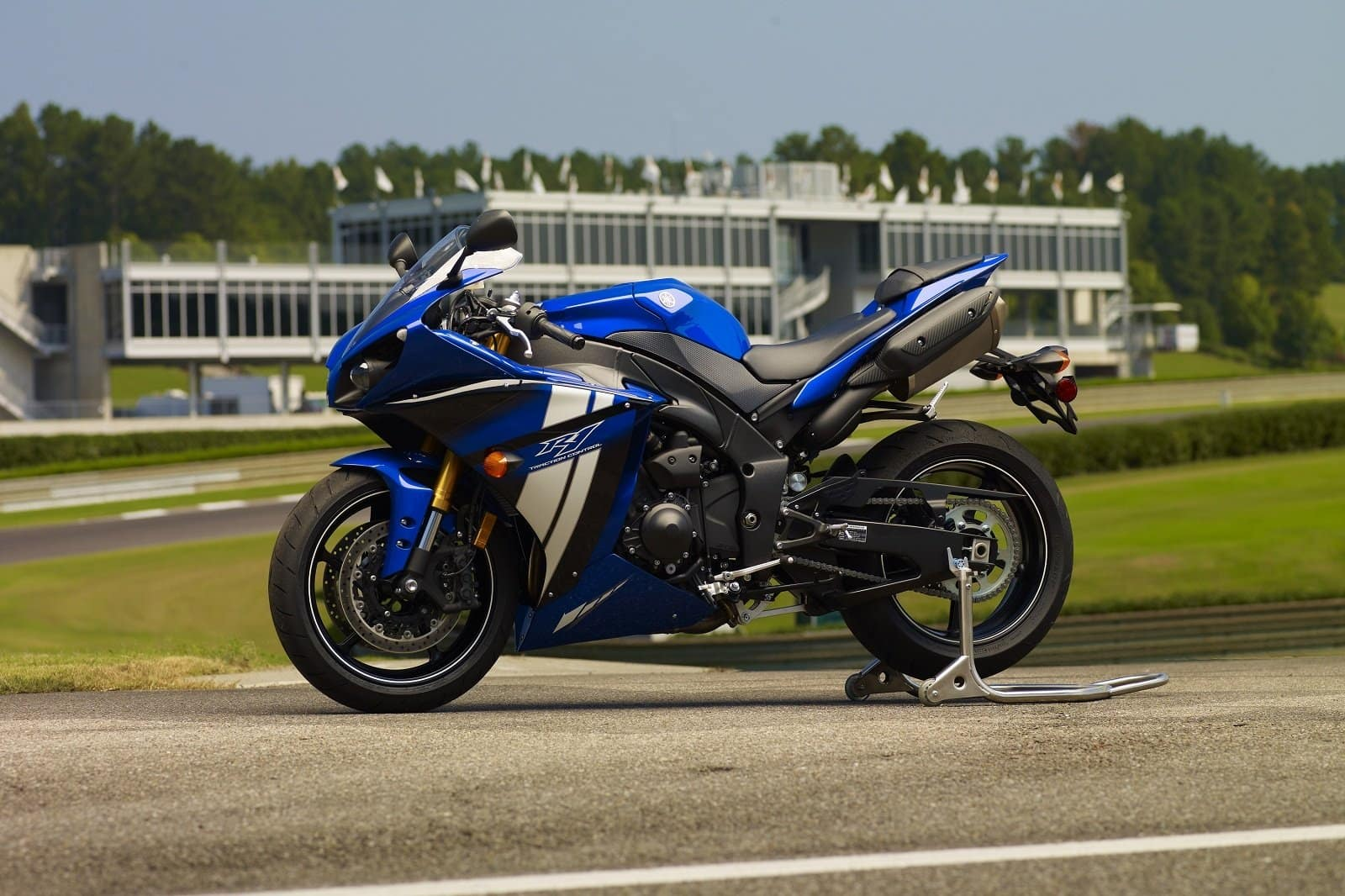 2012 blue yamaha r1 profile pic on track with traction control
