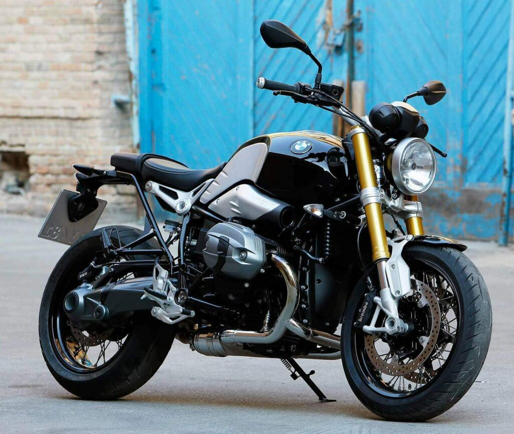 2014 BMW RNineT with a Camhead boxer engine.