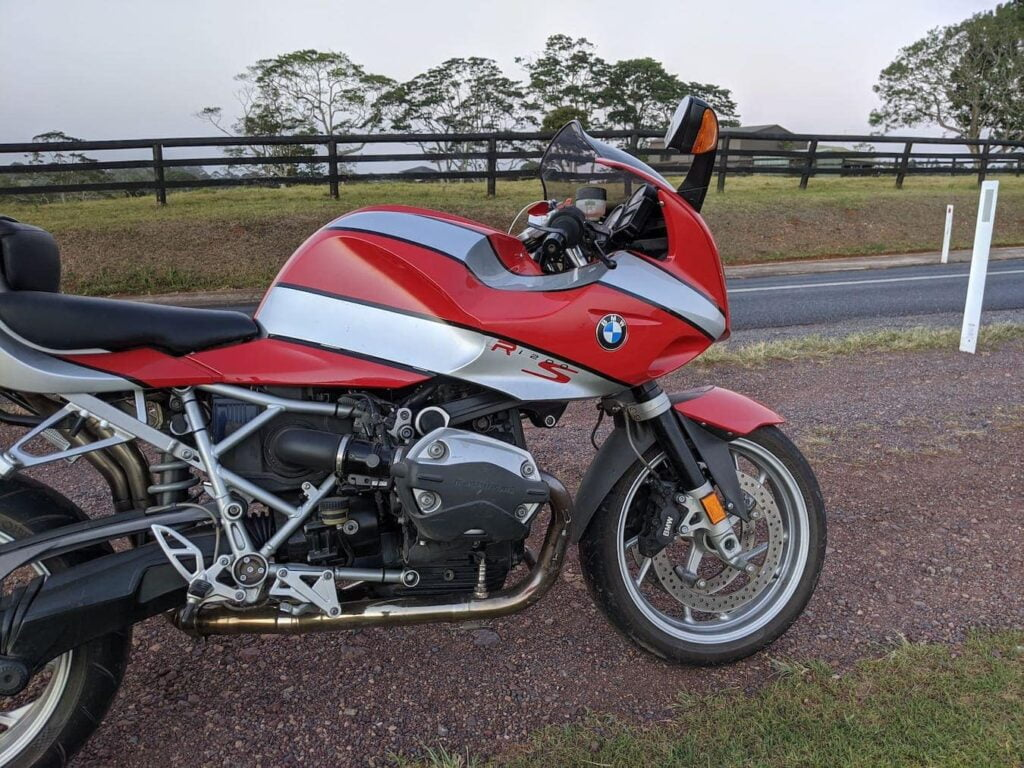 Bikini fairing on a R1200S before checking motorcycle electrical system