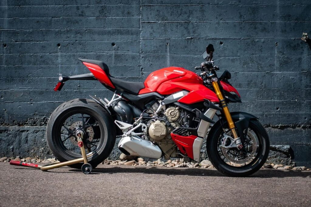 Ducati Streetfighter V4 S — faster than the BMW S1000R