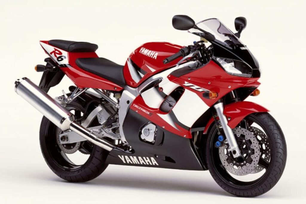 Red and white second generation, used Yamaha R6