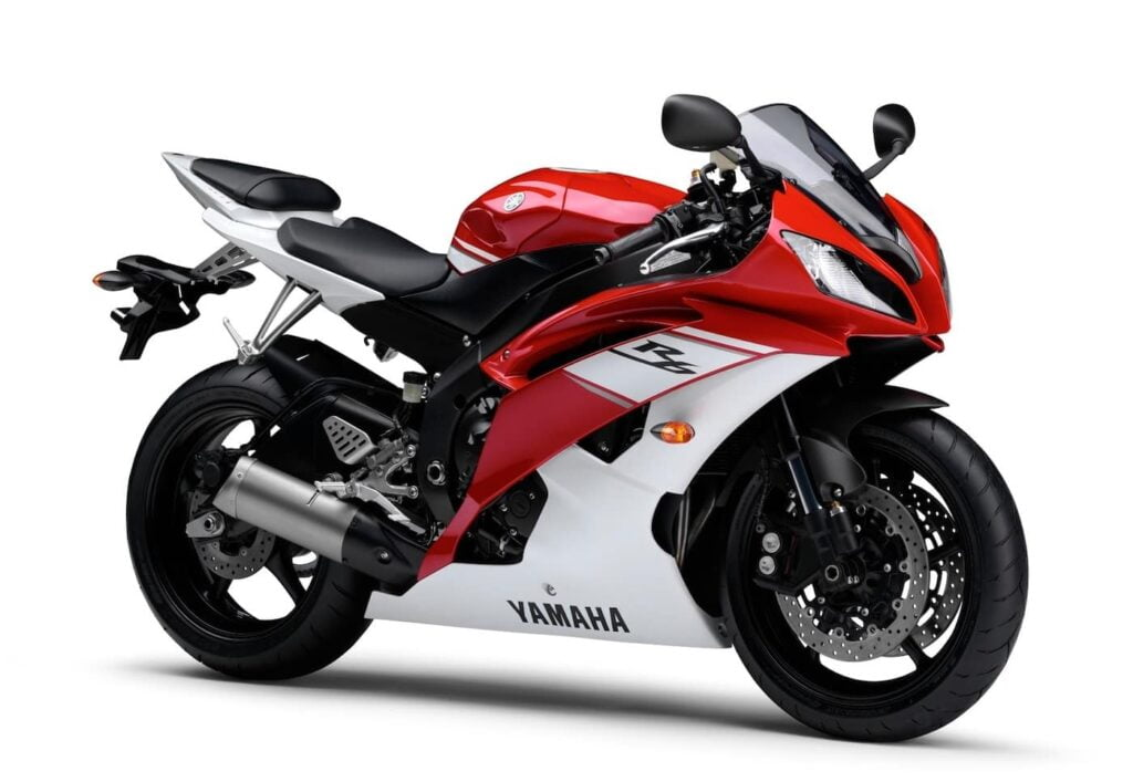 2008 Yamaha R6 with variable-length intake - an excellent model to buy used