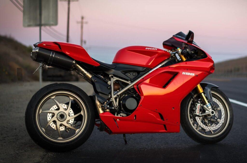 Ducati superbike 1198S 2010 red