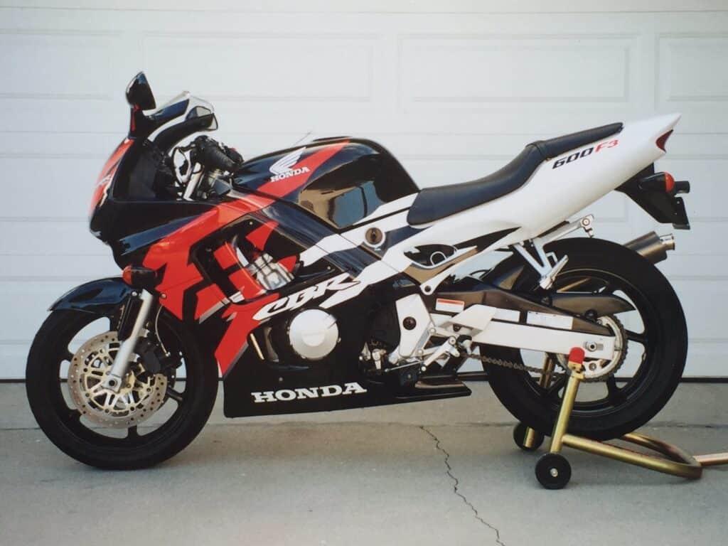 Red and black and white Honda CBR600F4i