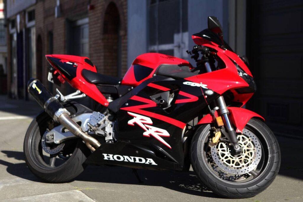 Red and black Honda CBR954RR Fireblade