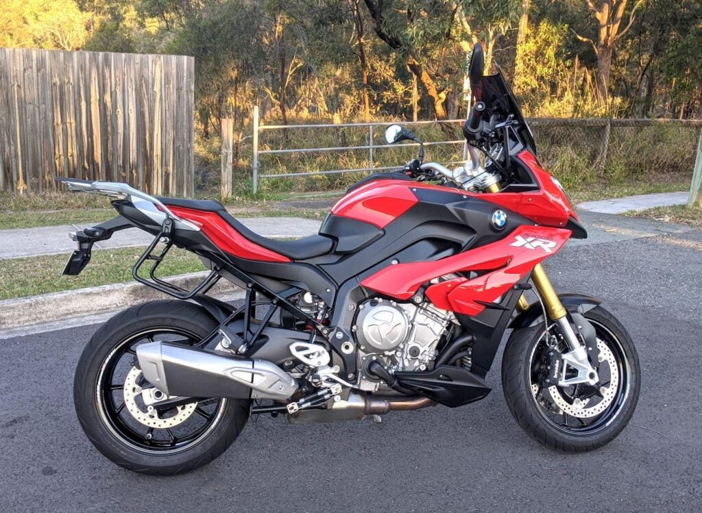 Red BMW S1000XR 2015 with buzzy handlebars