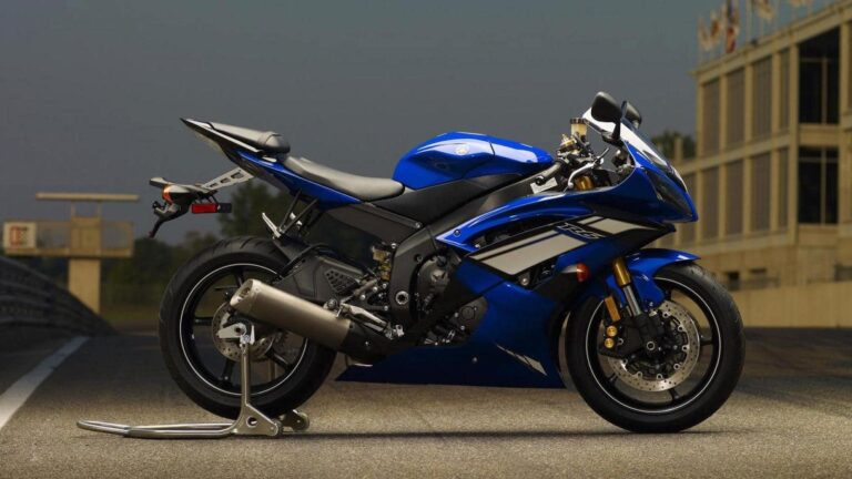 "The Ultimate Yamaha R6 Buyers Guide: ""No Compromises"""