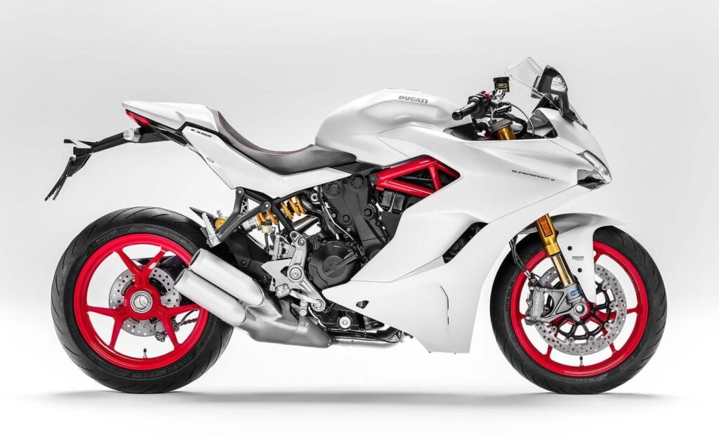 White Ducati Supersport S 2017 alternative to the R NineT Racer