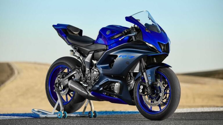 The New Yamaha YZF-R7 — How it's Different (and Awesome)