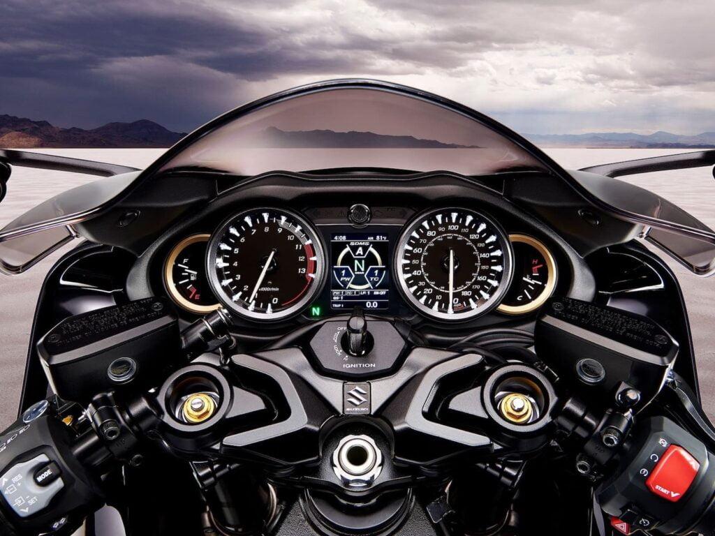 Suzuki Hayabusa Gen 3 dash, controls, instrument cluster
