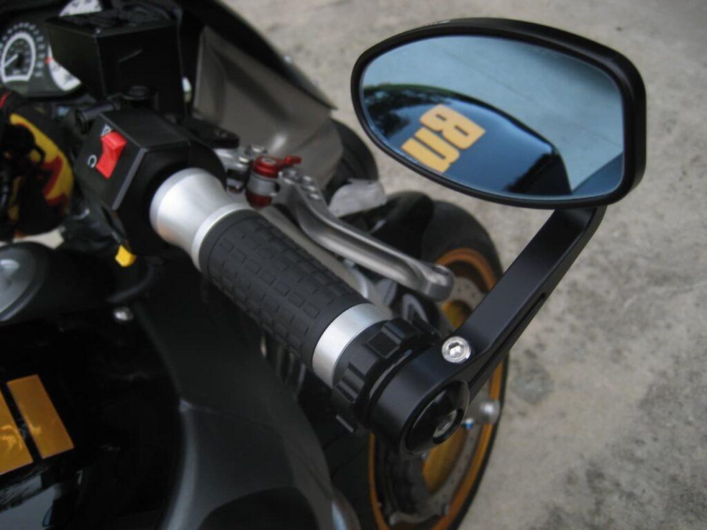 Installed Kaoko Throttle Lock