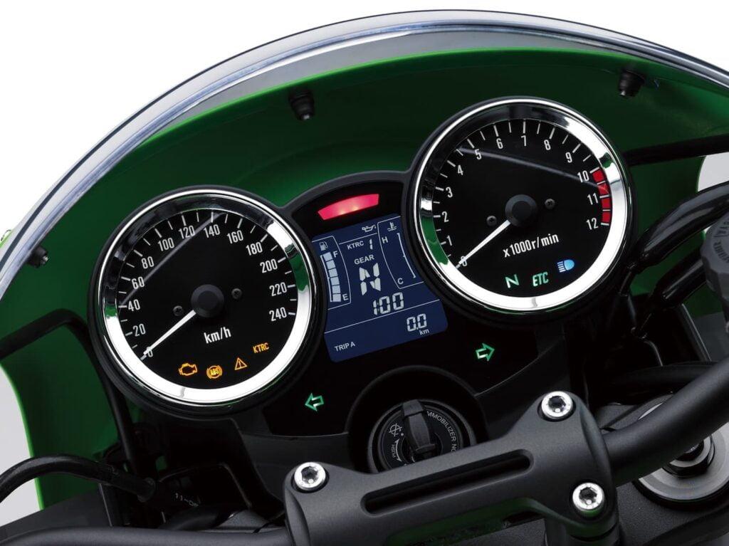 Kawasaki Z900RS Cafe dash gauges