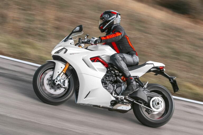 Sportbike Riding Position —Seven Tips to Ride Longer