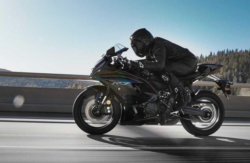 Sportbike riding position — Yamaha R7