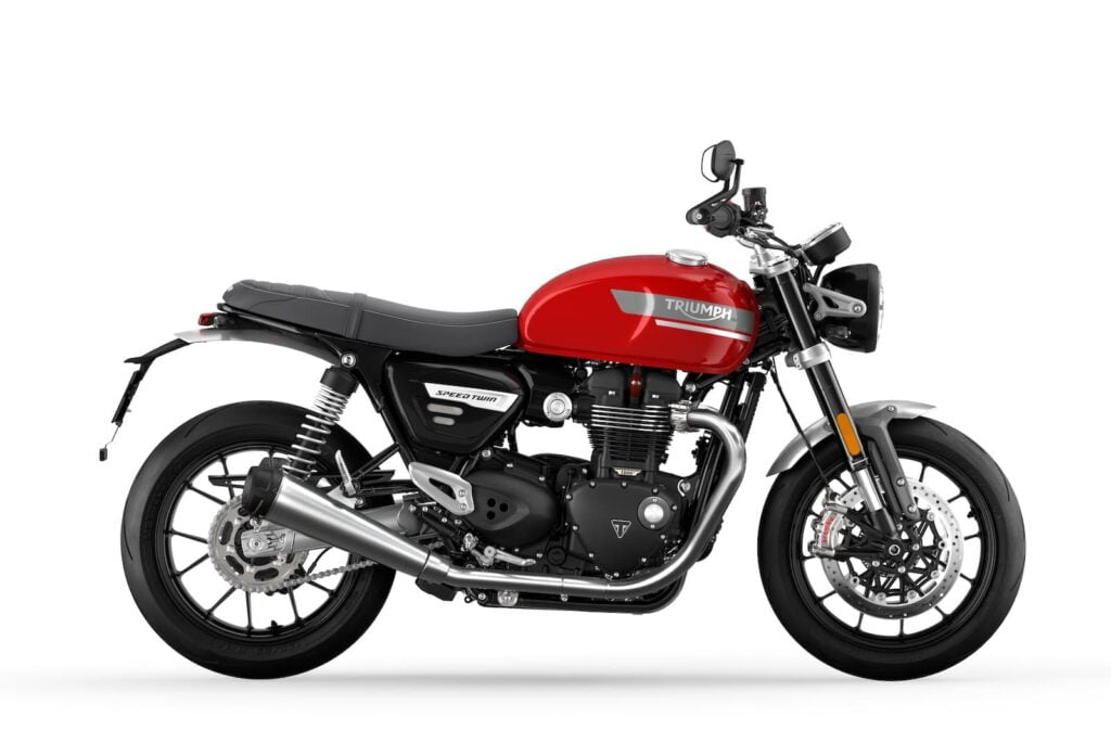 Triumph Speed Twin side profile photo riding position