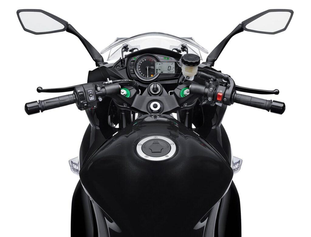 2014 2015 2016 Ninja 1000 controls and display