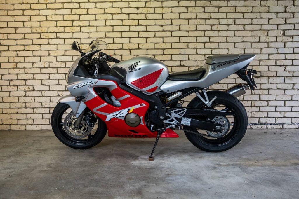 Honda CBR600F4i for sale left profile