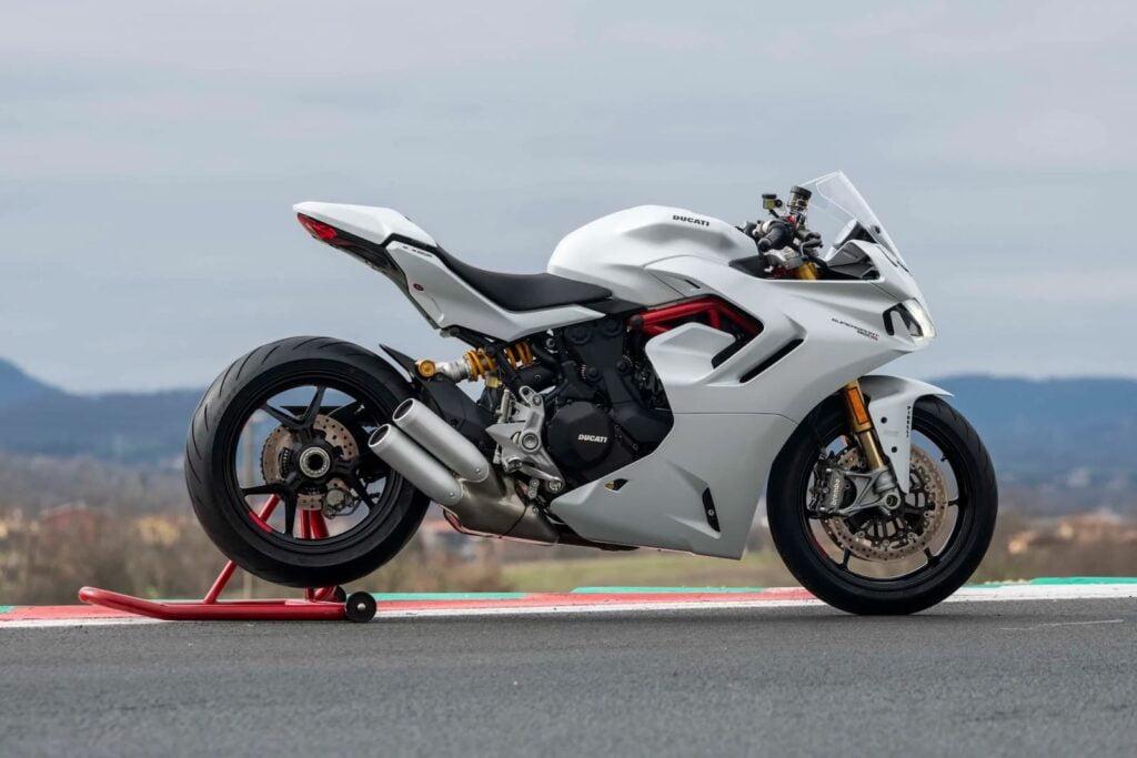 Kawasaki Ninja 1000 alternative - Ducati Supersport 950 S