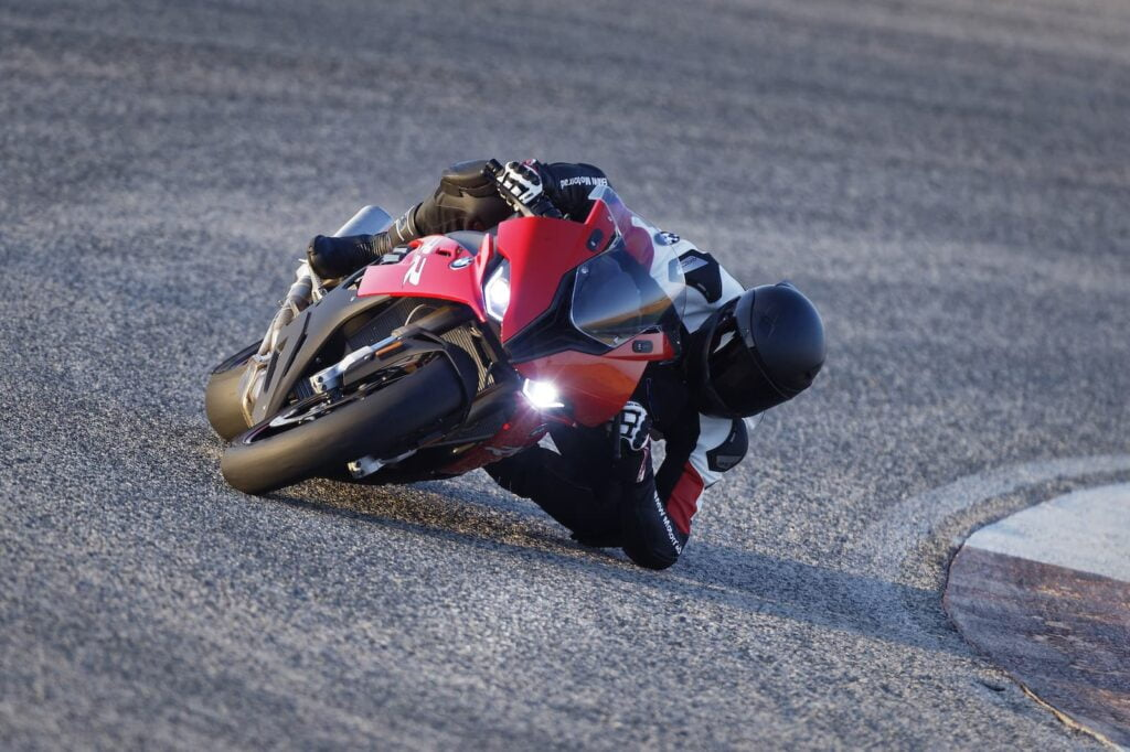 BMW S 1000 RR red elbow down on track