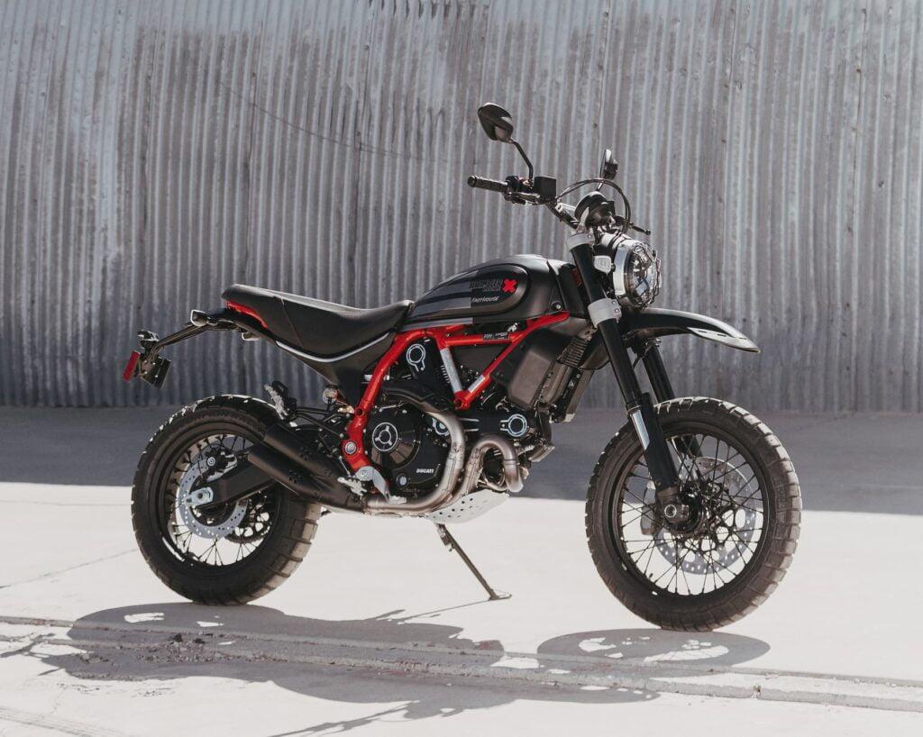 Ducati Scrambler 800 Desert Sled air-cooled